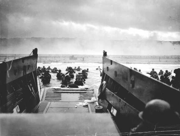 1944_NormandyLST